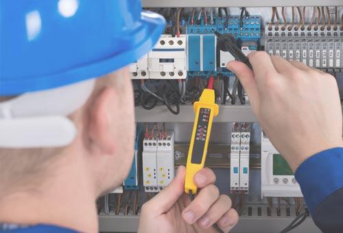 Unsere Techniker kümmern sich um Ihre Elektroinstallation